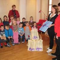 120 knjig za malčke bralčke v enoti Sapramiška
